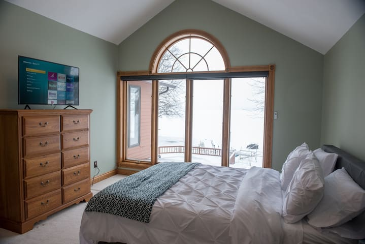Second lake view bedroom with a queen bed. sleeps 2.