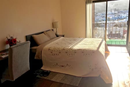 Brand new sunny room with great view - Daly City - Wohnung