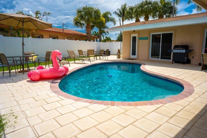 Beautiful Villa | Family Friendly | Access to Dock