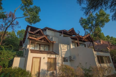 Kudremukh Homestay: Deluxe AC Rooms by the Beach