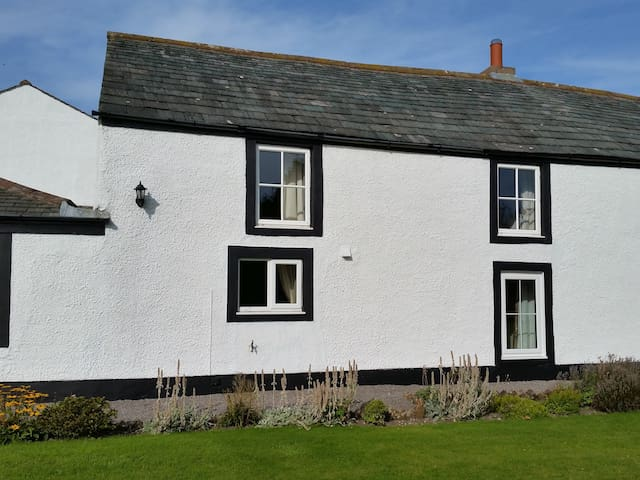 Jane croft, a cosy home, close to the Lakes