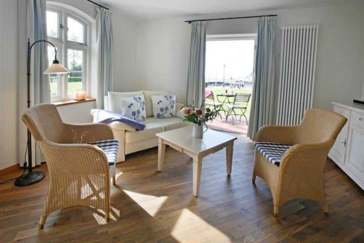 Pension mit Hafenblick, 7-Doppelzimmer mit Balkon