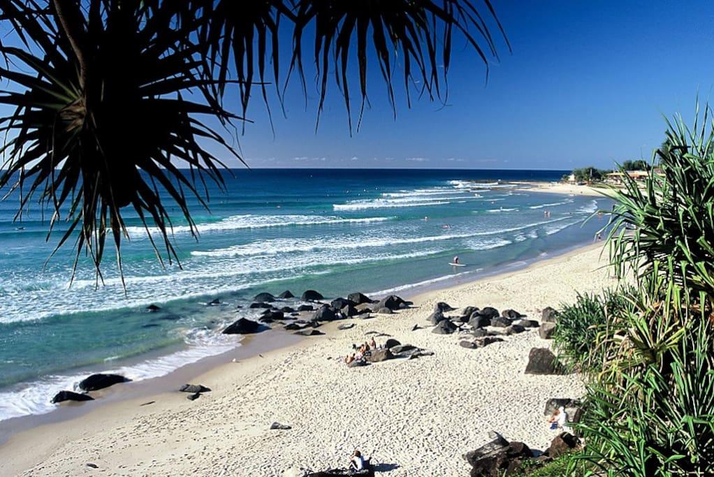 10 minute walk to Rainbow Bay