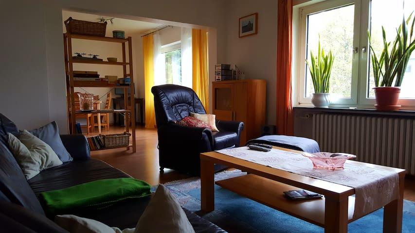 2-3 Zi. Wohnung mit separ. Eingang - Bad Oeynhausen - Huoneisto