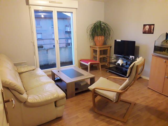 Quimper: appartement complet et tranquille