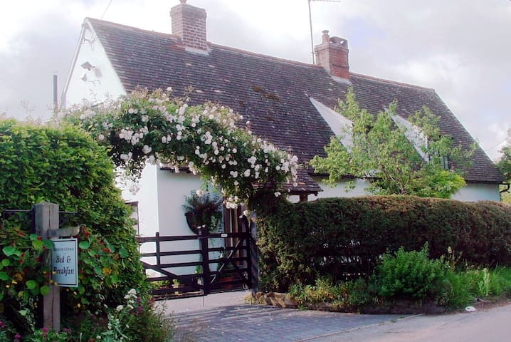 Chequer Cottage boutique bed and breakfast
