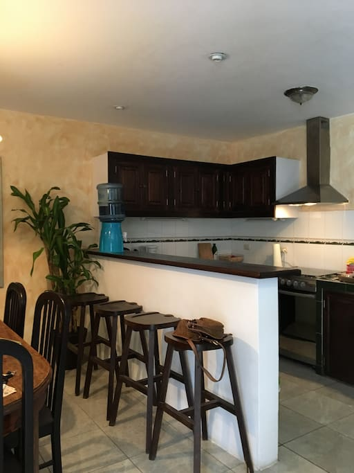 Fully equipped kitchen to cook and entertain.