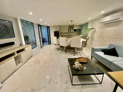 Smart apartment with patio and private cava
