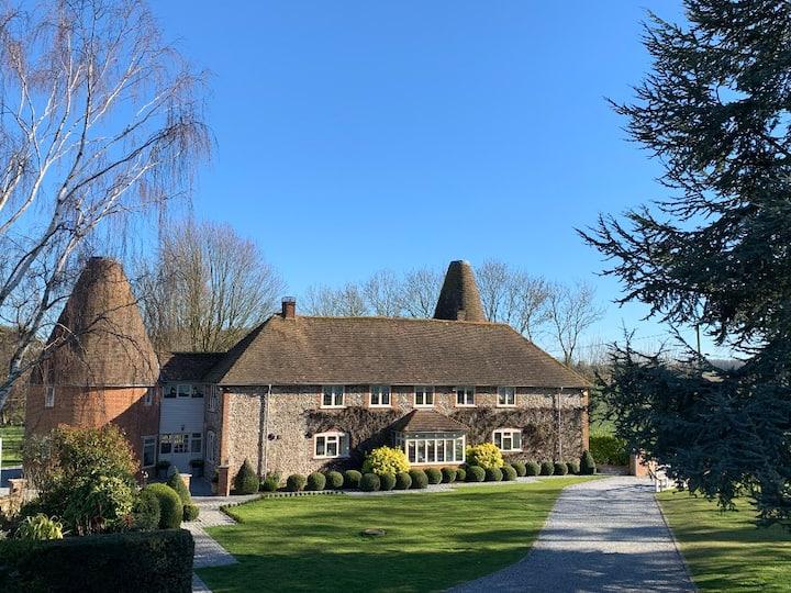 Stunningly renovated ancient Kentish timber Barn