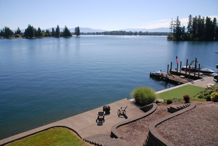 Lake Tapps Suite with Waterfront Access