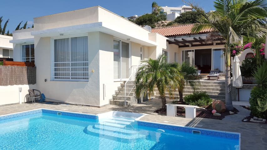 Odysseus Bay Villa - Pissouri