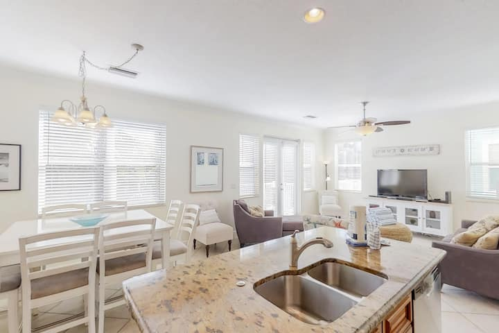Family-friendly house w/ private pool, modern kitchen & easy beach access!