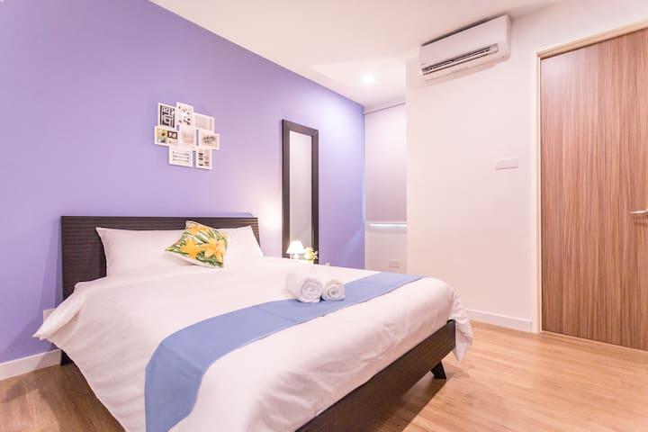 2nd Floor Bedroom 3 with 1 Queen Bed