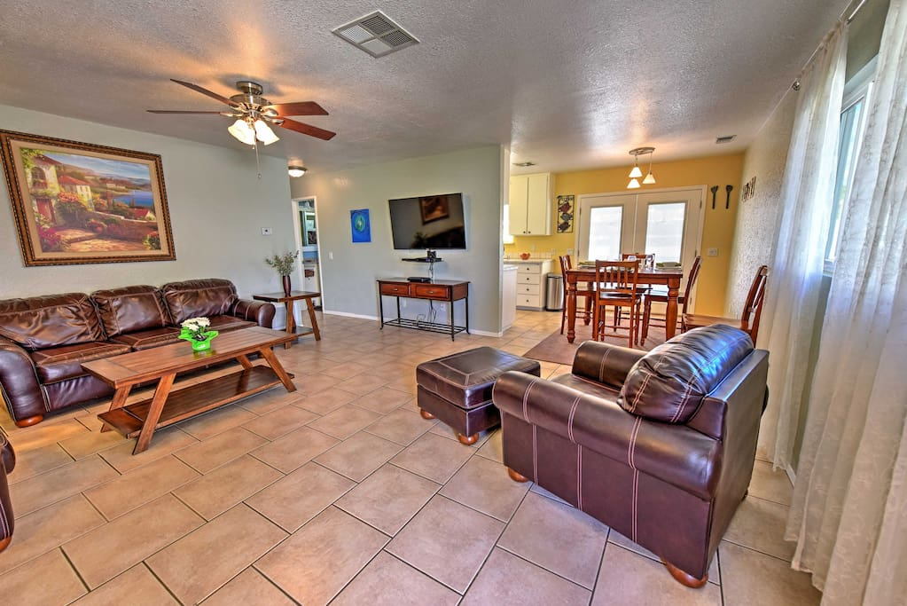 You are in for a treat at this 2-bedroom La Quinta vacation rental villa.