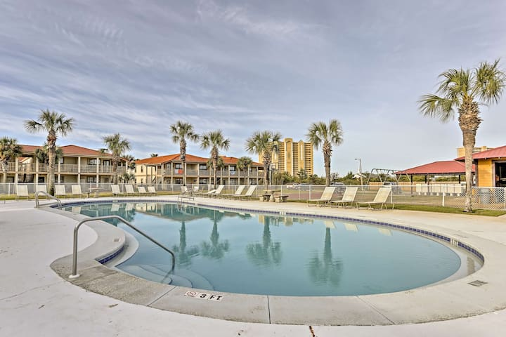 Panama City Beach Resort Condo-Walk to the Ocean!