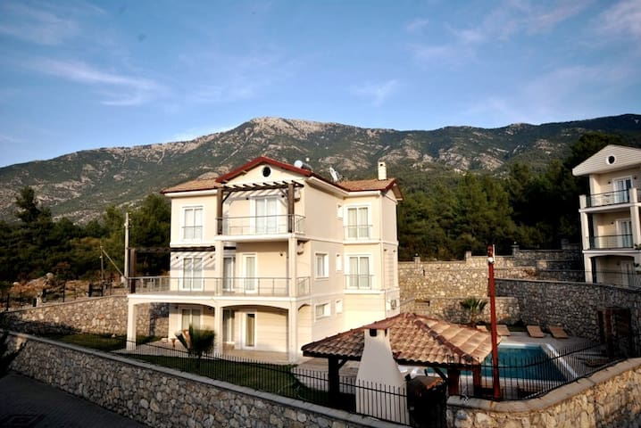 Villa Ciara - A Luxury Holiday Home For You!