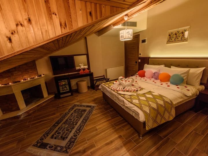 Balkonlu Deniz Manzarali Oda - Hill River Hotel