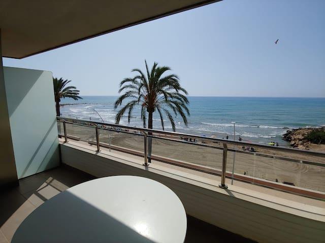 Apartamento en primera linea de playa.