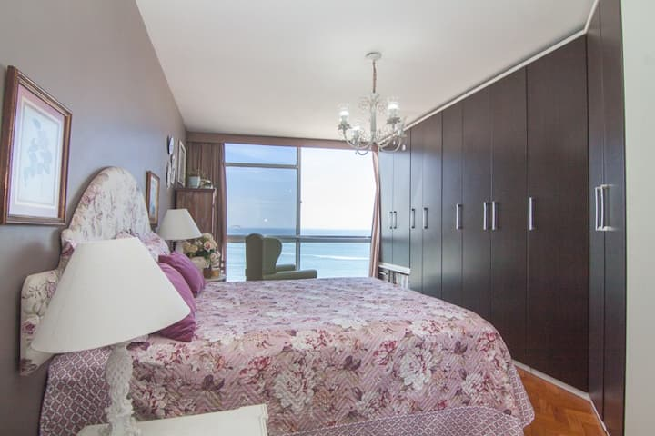 Suite with panoramic view to Copacabana beach!
