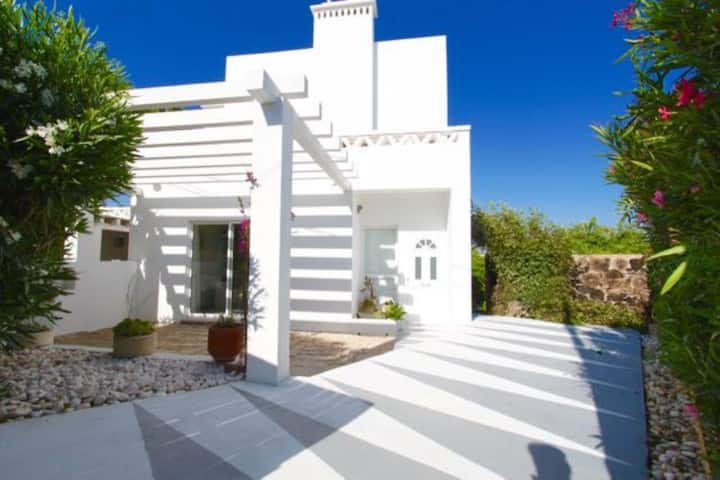 Pretty 3 bed villa close to Carvoeiro with pool