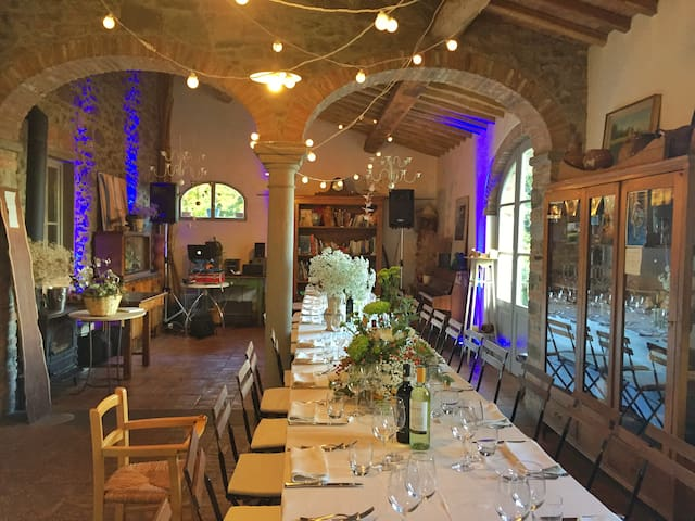 Large dining area with 33 seats overlooking the garden