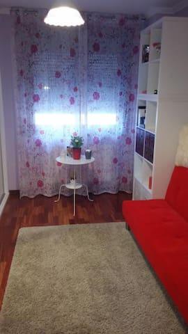 APARTAMENTO COQUETO Y CÓMODO - Pontevedra - Wohnung