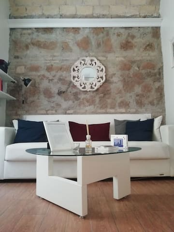 Colosseo apartment.. History and romance