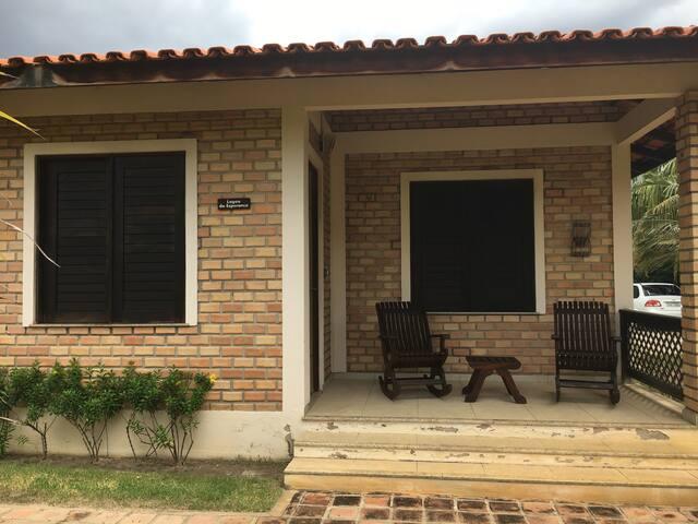Terraço e fachada chalé
