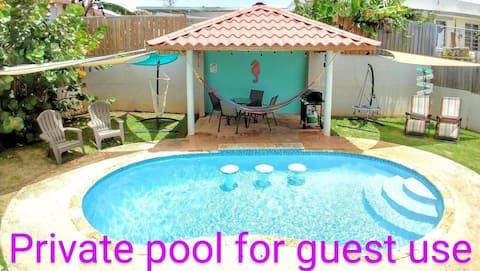 Casa de Crashboat - Private Pool, Swim up Bar