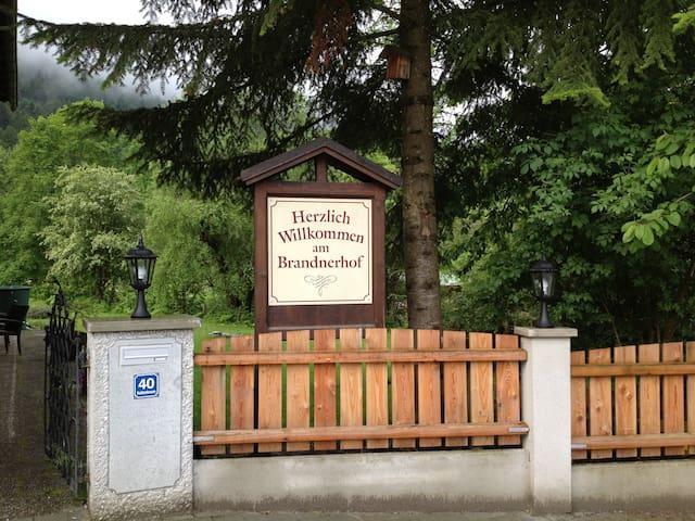 Familien Zimmer am Brandnerhof - Garmisch-Partenkirchen - Bed & Breakfast