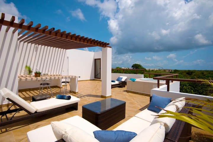 CP2 Amazing Penthouse with Ocean View from Rooftop - Akumal - Apartamento
