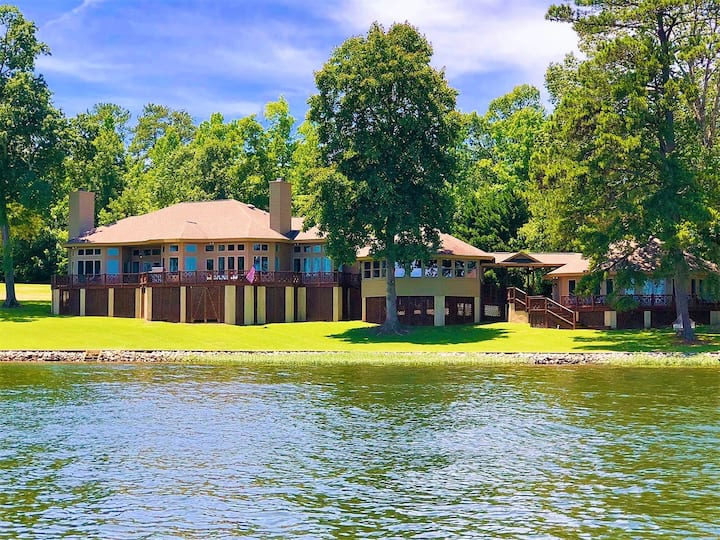 💥650FT Flat Main Lake Shoreline! 8 BDRM 6000SQFT 180+Degree View+ Guest House💥