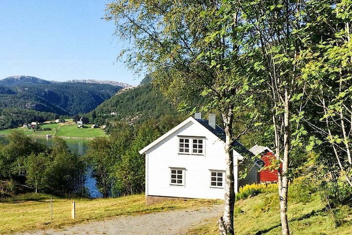 8 person holiday home in Masfjordnes