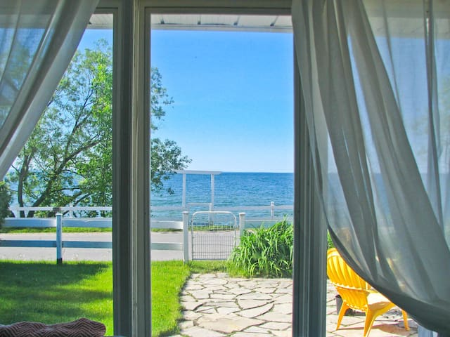 Lake Simcoe Beach House Cottage - Georgina - Cabane