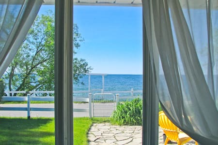 Lake Simcoe Beach House Cottage - Georgina