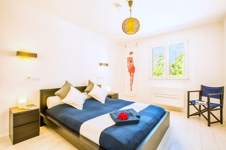Schlafzimmer I, Bett mit 160 x 200 Matratze
