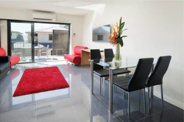 Cardiff - One Bedroom Spa Apartment