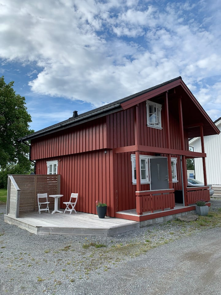 Moderne lite hus i et landlig området