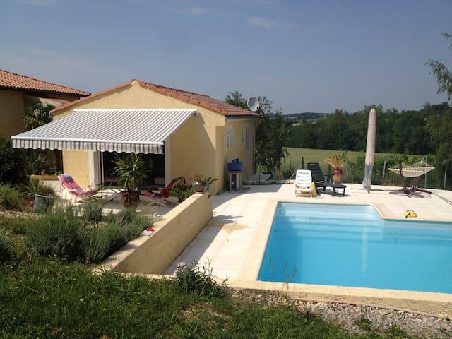 La villa gay avec piscine et spa - Escoussens - Haus
