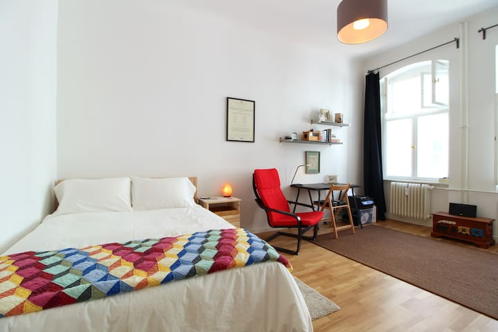 Stylish & bright apartment in central Berlin