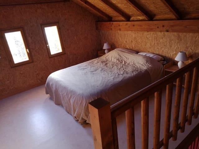 chambre en mezzanine 1 lit 2 places