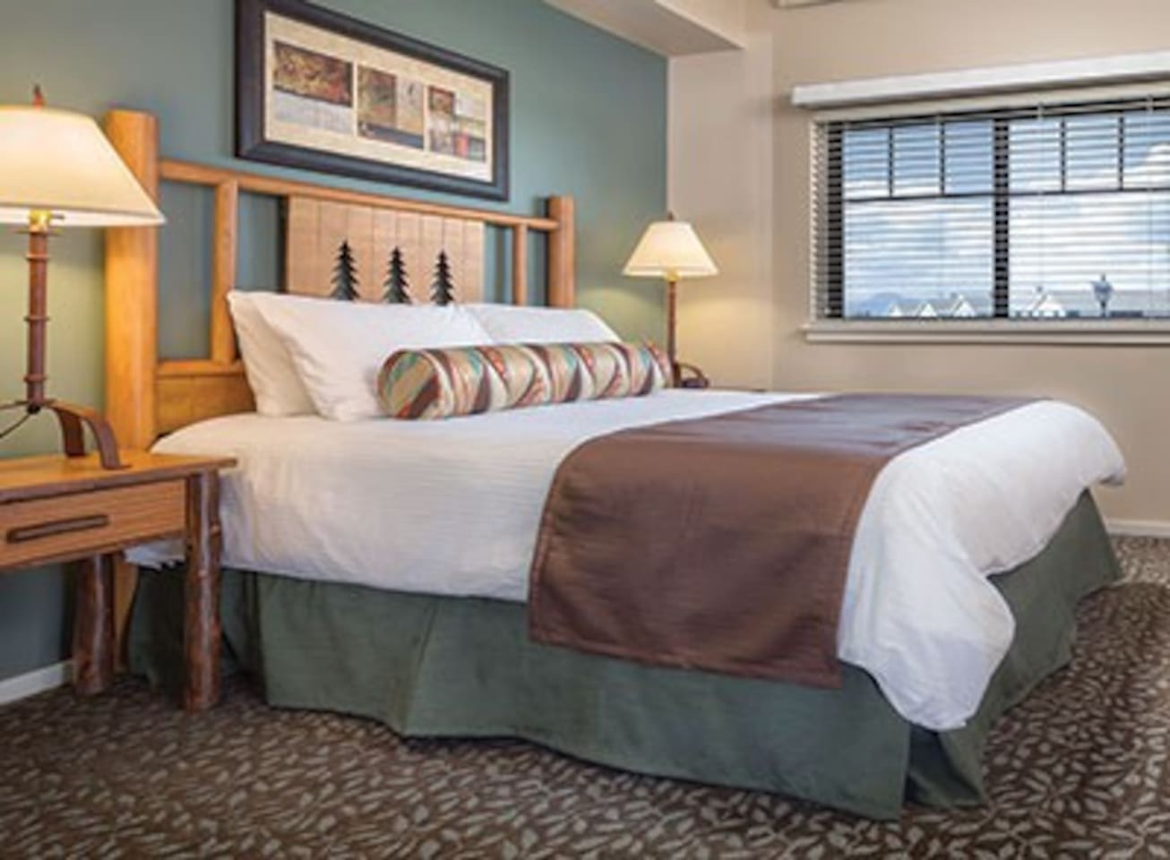 Yellowstone Gorgeous 1BDR K + Q murphy bed for 4 - Condominiums for Rent in  West Yellowstone, Montana, United States