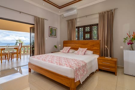 Double Deluxe Room with balcony sea view