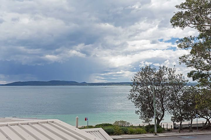 2 'Sunnie Belle' 3 Victoria Parade- water views over Nelson Bay foreshore