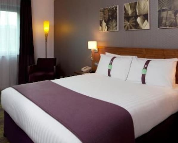 Essential Travel Only: Gorgeous Room Standard At Norwich