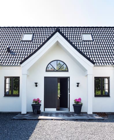 Big new country style villa