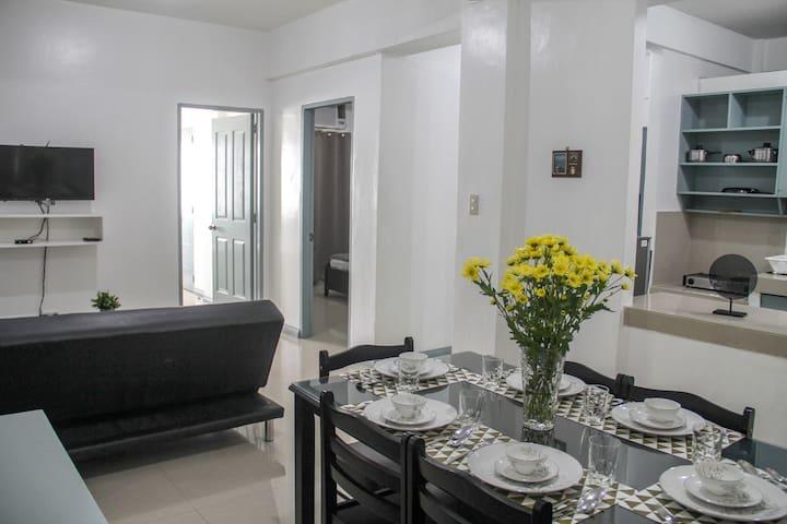 :o) Enjoy Safe Home 2 Bedrooms 2 baths in Makati