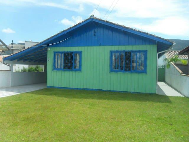 Casa na Praia de Palmas Gov. Celso Ramos SC