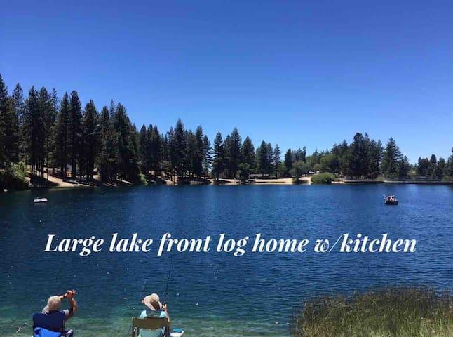 Large Lake Front Log Home w/ kitchen