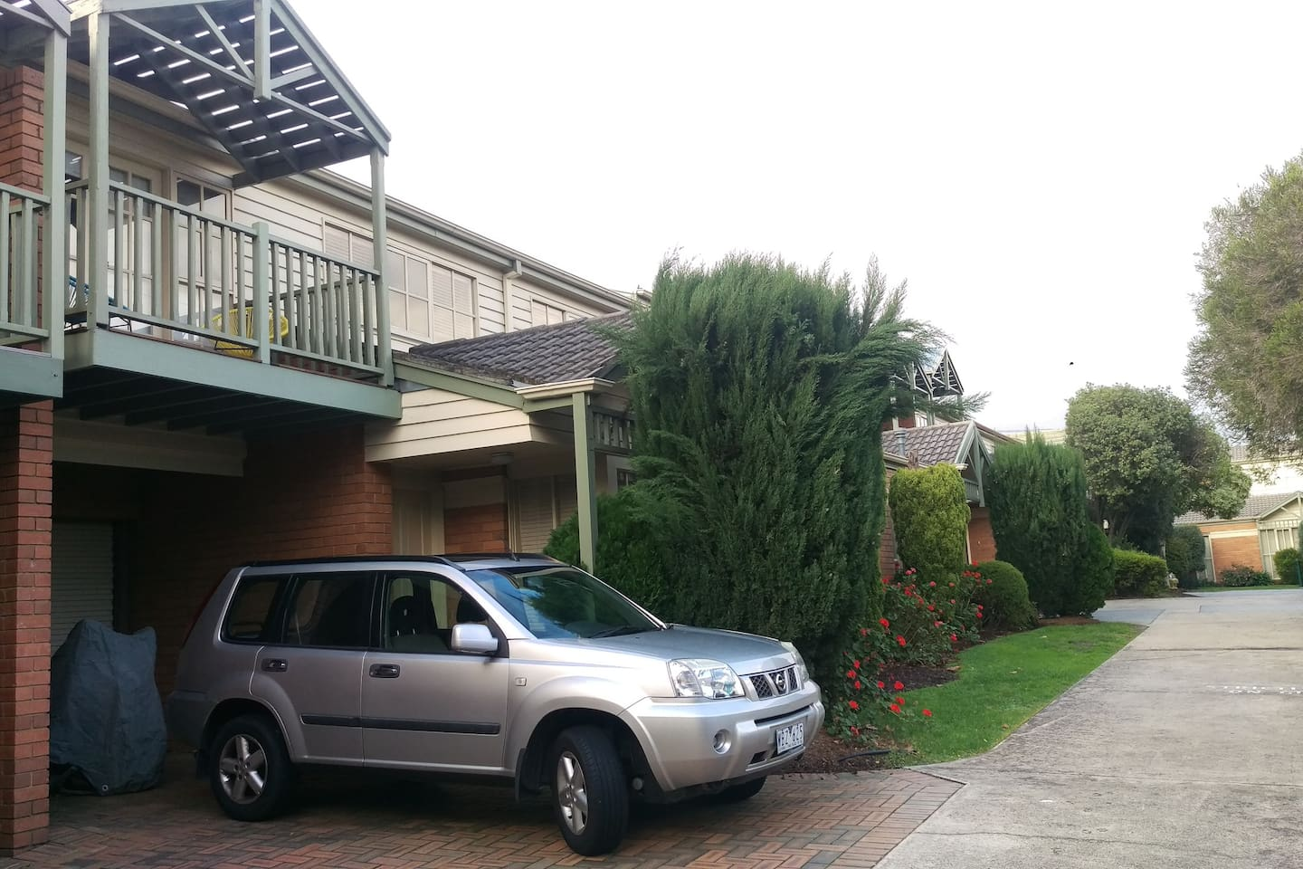 House Frontage, this is off street, in a quiet, leafy suburb